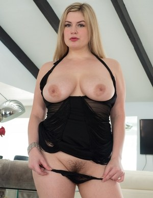Huge Tits Hairy Pussy Pics