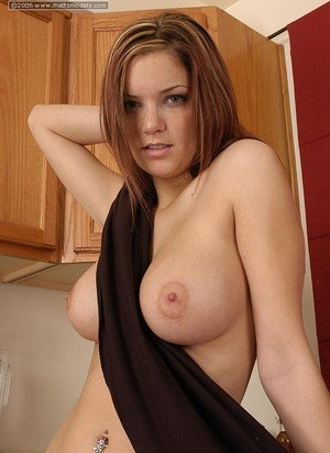 Huge Tits at the Kitchen Pics